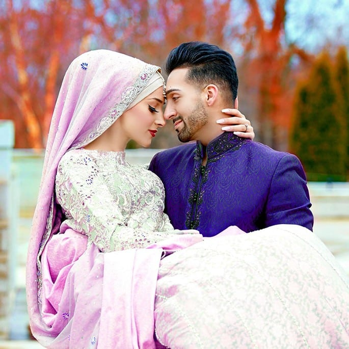 YouTube stars Sham Idrees and Sehr (Froggy) are Married - holding
