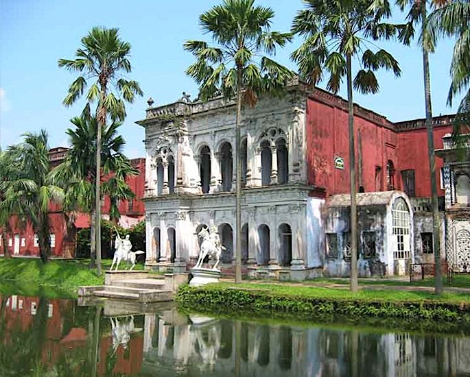 10 Top Historical Heritage Sites of Bangladesh - Ahsan Manzil, Dhaka