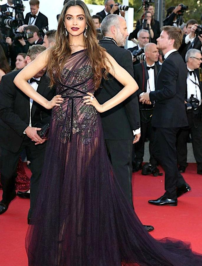 15 Best Deepika Padukone Western Dresses - Ethereal Elegance