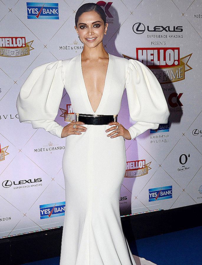 15 Best Deepika Padukone Western Dresses - Little Mermaid