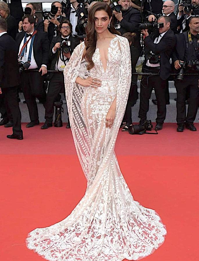 15 Best Deepika Padukone Western Dresses - Vision in White