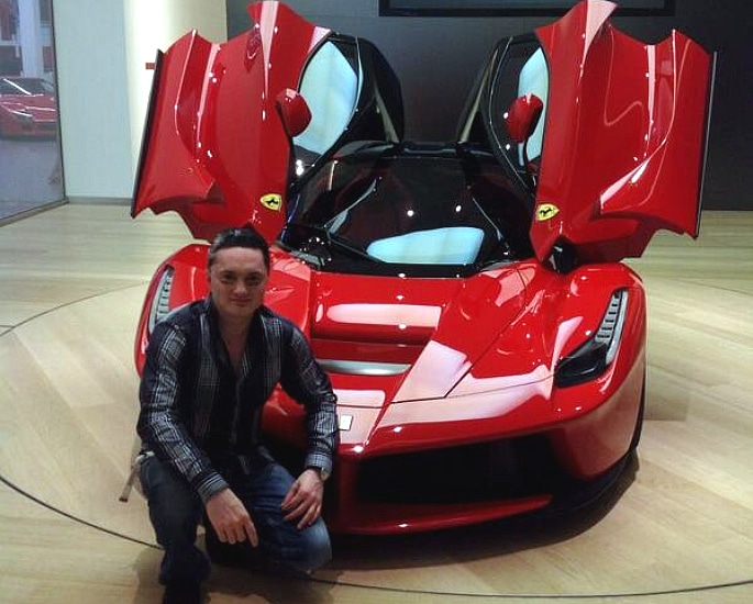 7 Top Cars owned by Gautam Singhania - laferrari