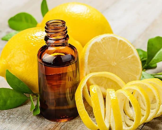 Desi Remedies to Get Longer and Fuller Eyelashes - lemon castor oil