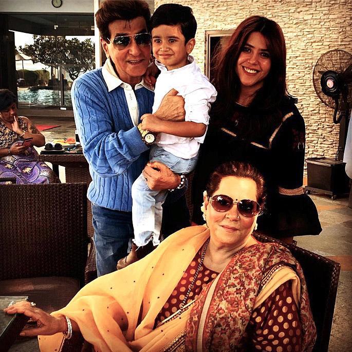 Ekta Kapoor anarudi Mama na Baby Ravie kupitia surrogacy - ekta kapoor jeetendra