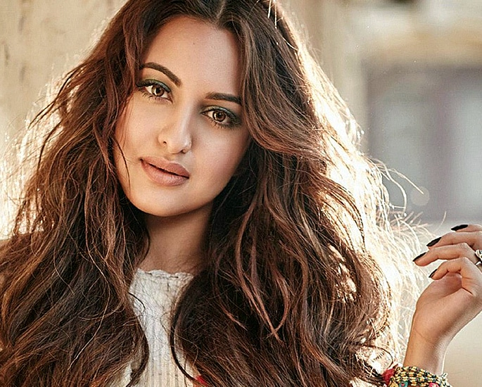 Fraud Case registered against Sonakshi Sinha