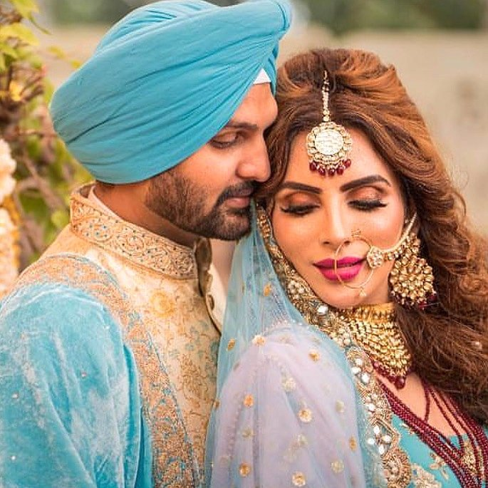 Yuvraj Hans marries Mansi Sharma in Wonderful Ceremony - IA 1