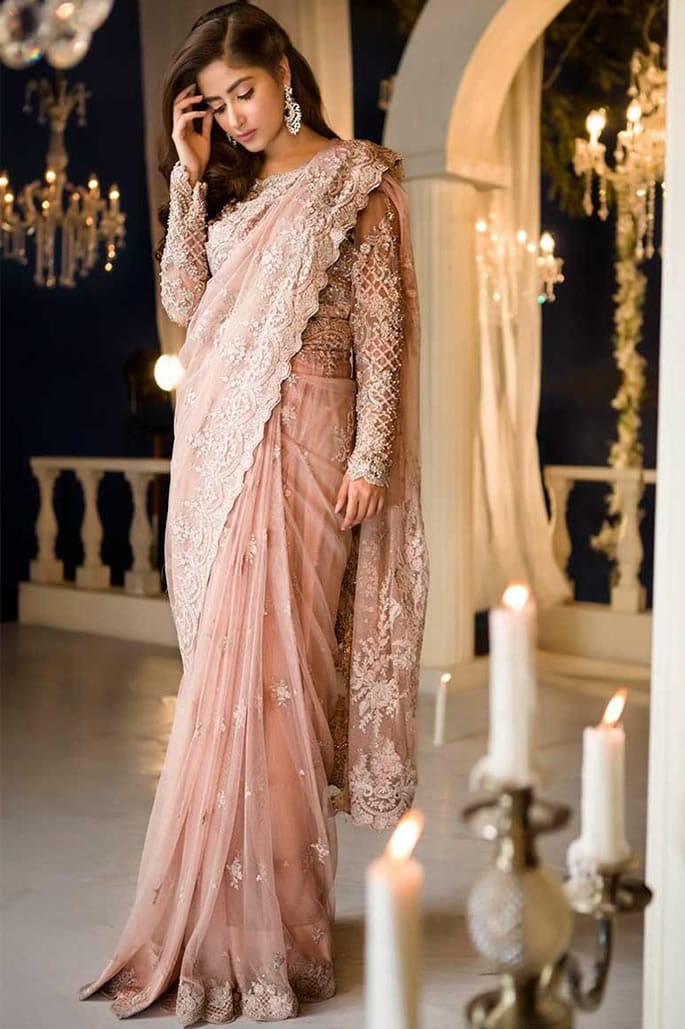 10 Stylish Fashion Looks of Pakistani Women - Saree Silk