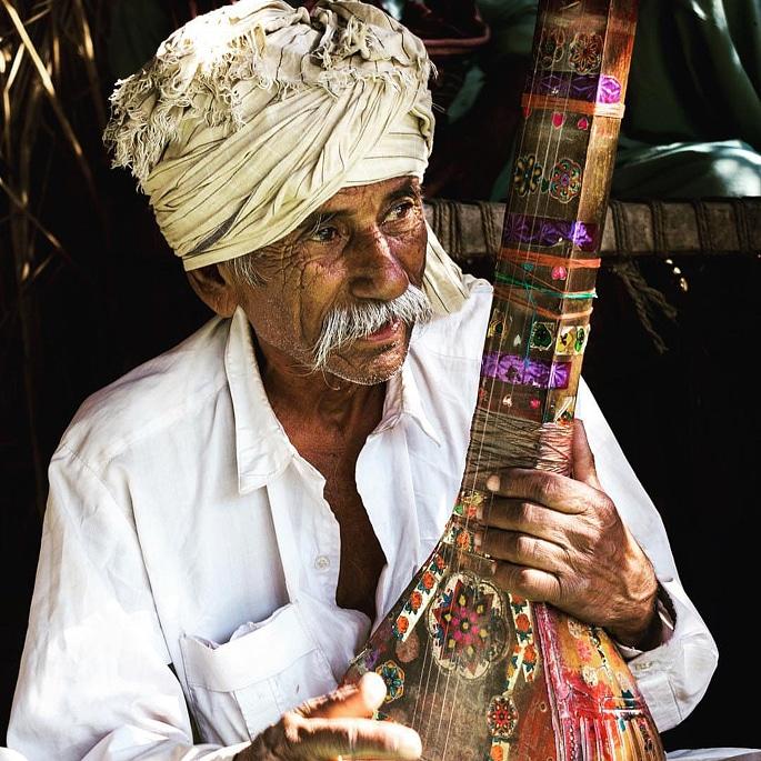 15 Sindhi Culture Photos by Emmanuel Mansingh on Instagram - IA 6.6