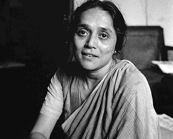7 Indian Women Artists known for their Art - meera