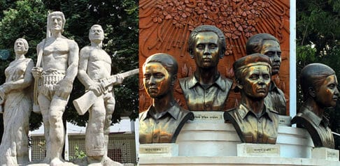 7 Sculptures that are Popular in Bangladesh f
