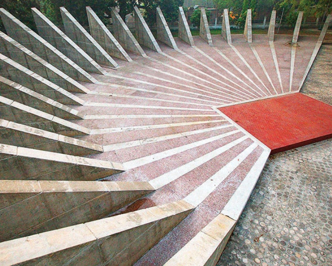7 Sculptures that are Popular in Bangladesh - memorial 2