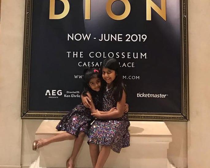 7 वर्षीय अमेरिकी भारतीय लड़की ने सेलीन डायोन के सामने आत्मसमर्पण किया - संगीत कार्यक्रम