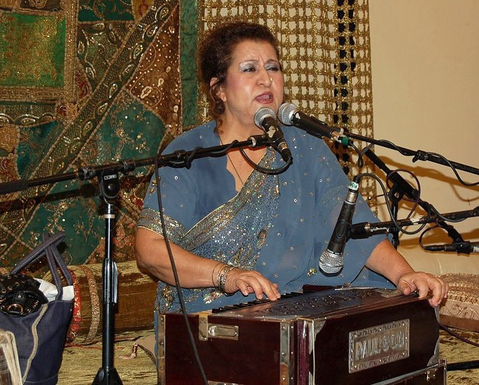 20 Best Pakistani Ghazal Singers of All Time - Munni Begum