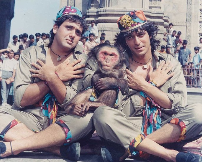 20 Top Bollywood Comedy Films to Make you LOL! - Aankhen