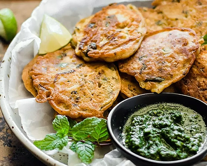 5 Simple Potato Recipes to Make at Home - pakora