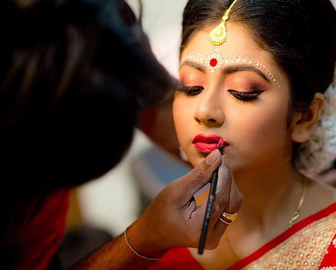 Best Makeup Tips for your Desi Wedding - artist