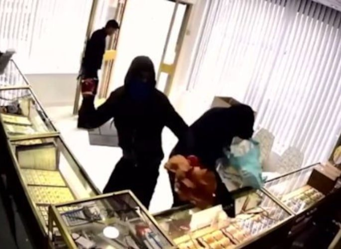 Gang jailed for £300,000 Jewellery Raid in Newcastle 3