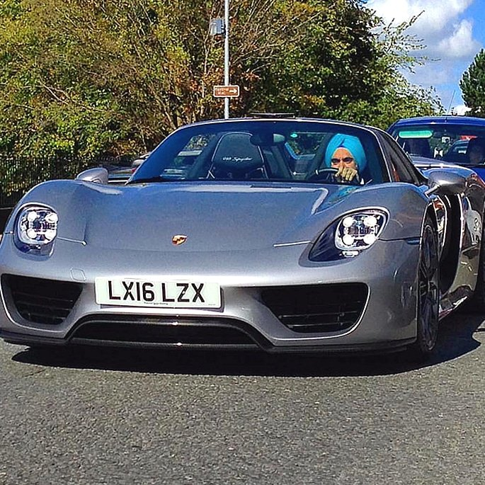 Luxury Cars owned by Reuben Singh - porsche