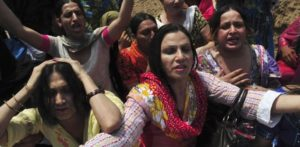 Pakistani Police raid Transgender 'Doll Party' and Arrest 27 f