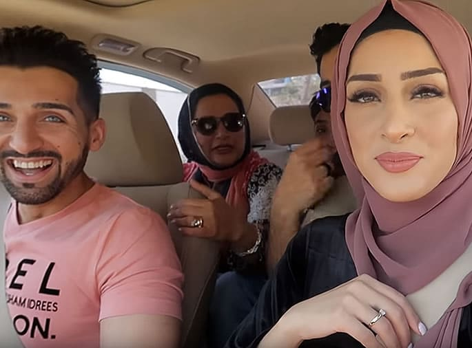 Sham Idrees and Froggy excite Fans with Pakistan Visit - driving