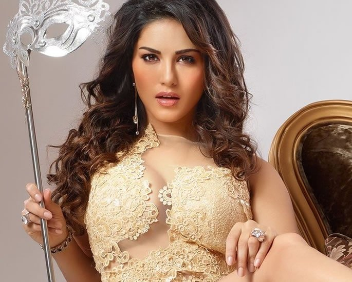 Sunny Leone says US Indians have a Backward Mindset - Sunny Leone