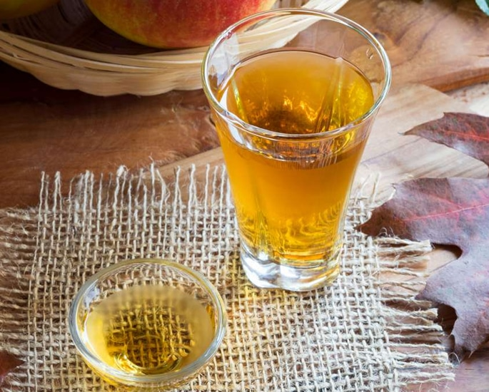 20 Pakistani Beauty Secrets to Try at Home - apple cider