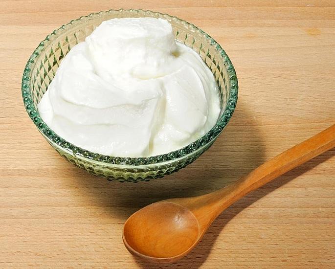 20 Pakistani Beauty Secrets to Try at Home - yoghurt