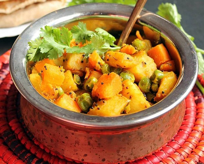 7 Easy Indian Carrot Recipes to Make at Home - sabzi