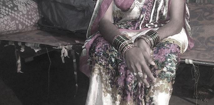 Indian Crossdresser kills Woman helped by Daughter-in-Law f