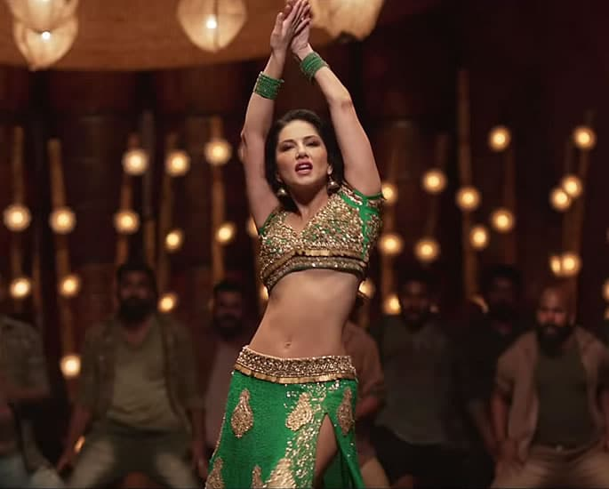 Sunny Leone sizzles in 'Moha Mundiri' Song with Mammootty - green