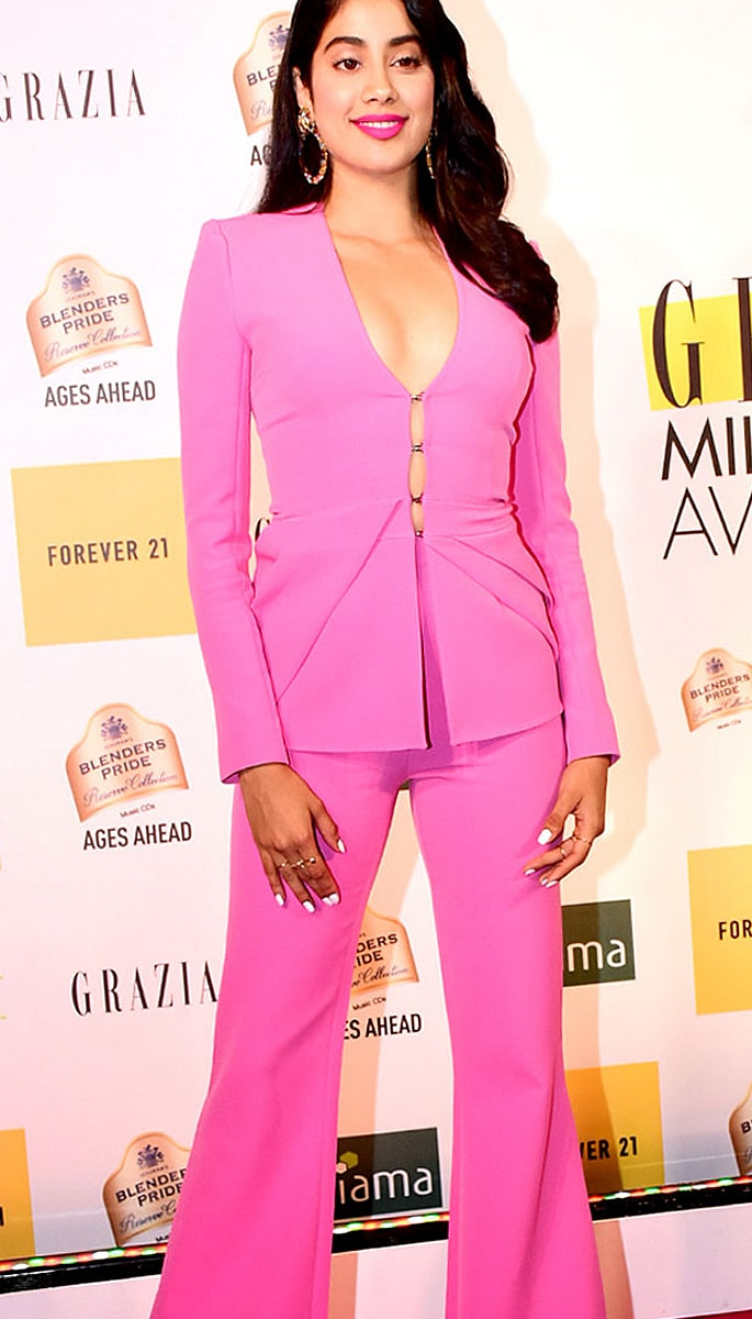 Best Dressed Bollywood Stars at Grazia Millennial 2019 Awards - janhvi