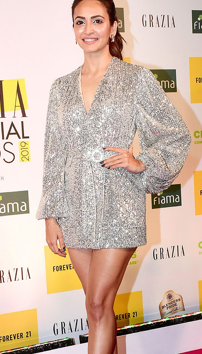 Best Dressed Bollywood Stars at Grazia Millennial 2019 Awards - kriti