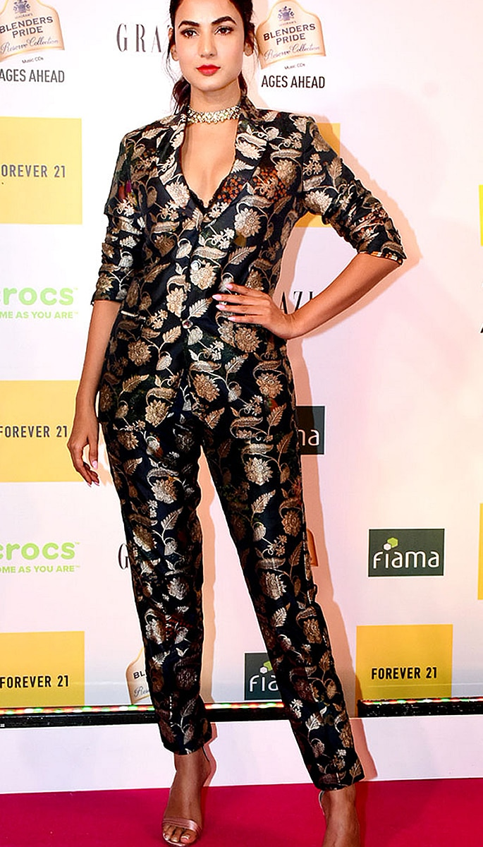 Best Dressed Bollywood Stars at Grazia Millennial 2019 Awards - sonal