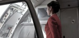 भारतीय एयर होस्टेस ने साथी एयरलाइन स्टाफ सदस्य द्वारा बलात्कार किया