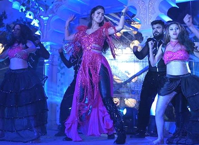 Katrina Kaif performs at £23m Indian Wedding 3