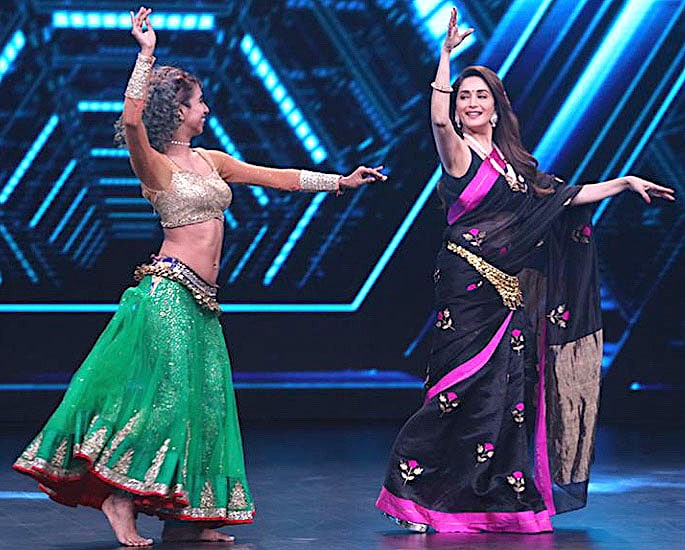 Madhuri Dixit performs Belly Dance Moves for 'Dance Deewane' -IA 3