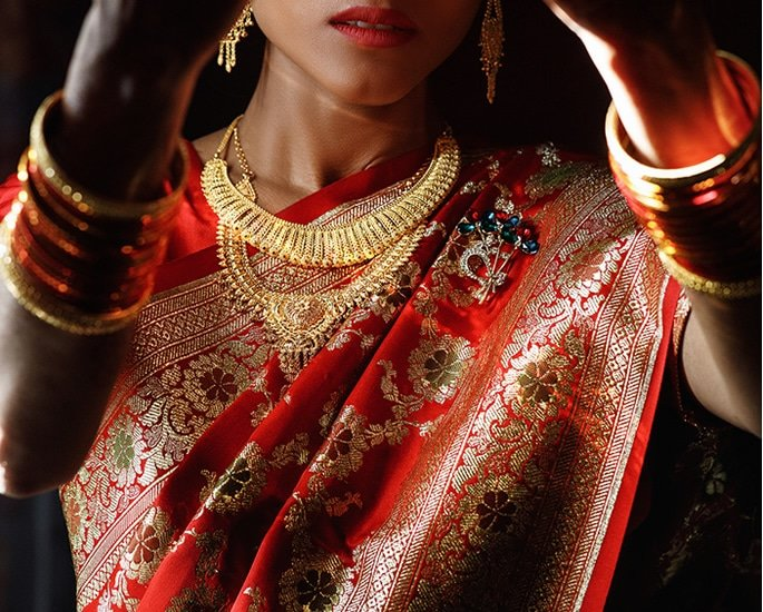 Marriage and Giving a Dowry in the UK - gold