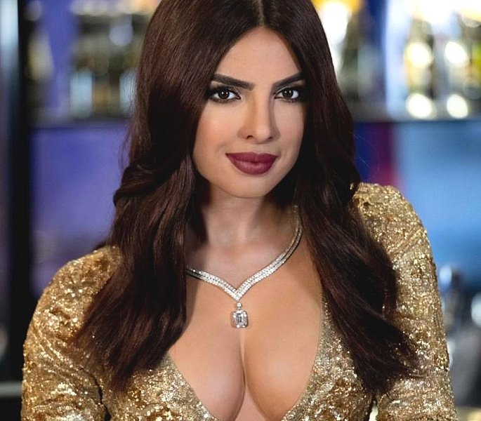 Priyanka Chopra gets New Wax Statue in London 2
