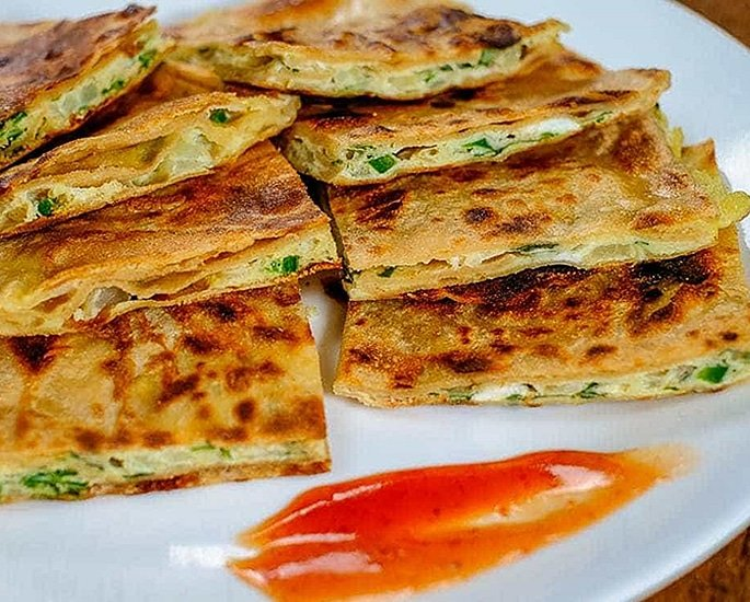 7 Unusual and Tempting Paratha Recipes - omelette