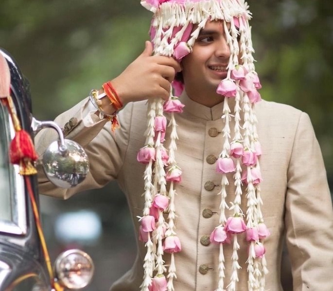 8 Sehra Designs Perfect for a Groom's Turban - Blooming Sehra