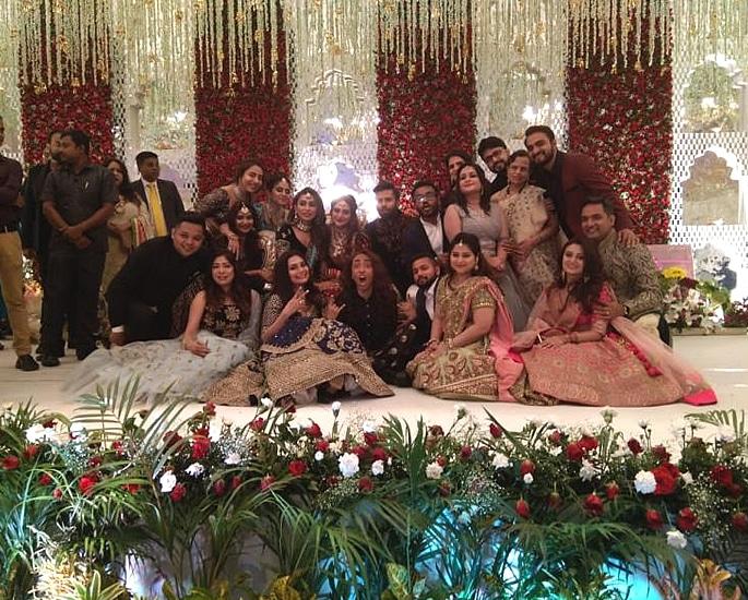 Actress Nusrat Jahan marries Nikhil Jain with Grand Reception 6