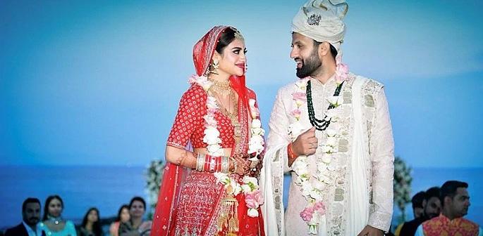 Actress Nusrat Jahan marries Nikhil Jain with Grand Reception f