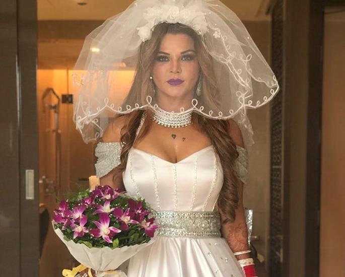 Did Rakhi Sawant get Secretly Married in a Hotel 2