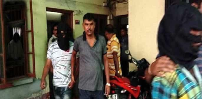 Indian Police bust Sex Racket arresting 6 Women and Men f