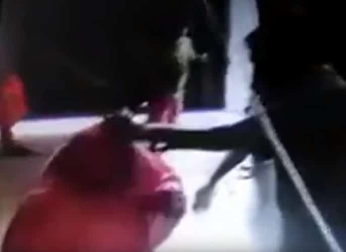 Pakistani Police Beat and Attack Women in Multan Home - pink