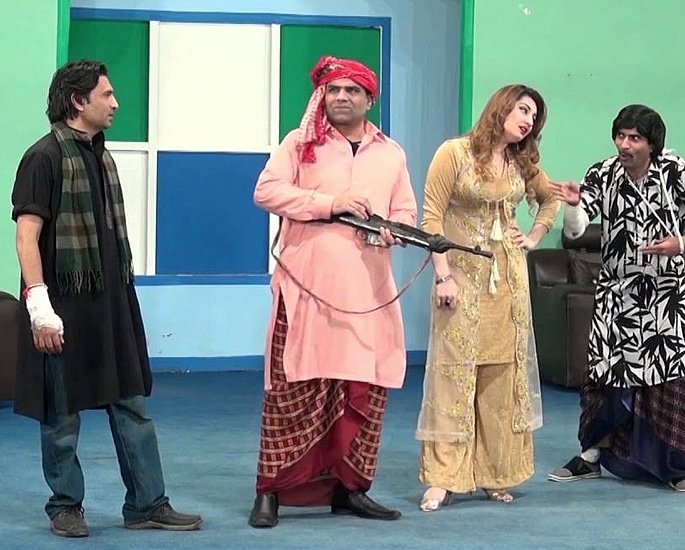 The Popularity of Pakistani Stage Dramas - stage