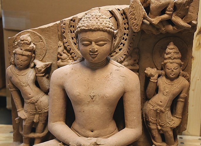 US Indian Art Gallery Owner charged for Smuggling $143m Relics