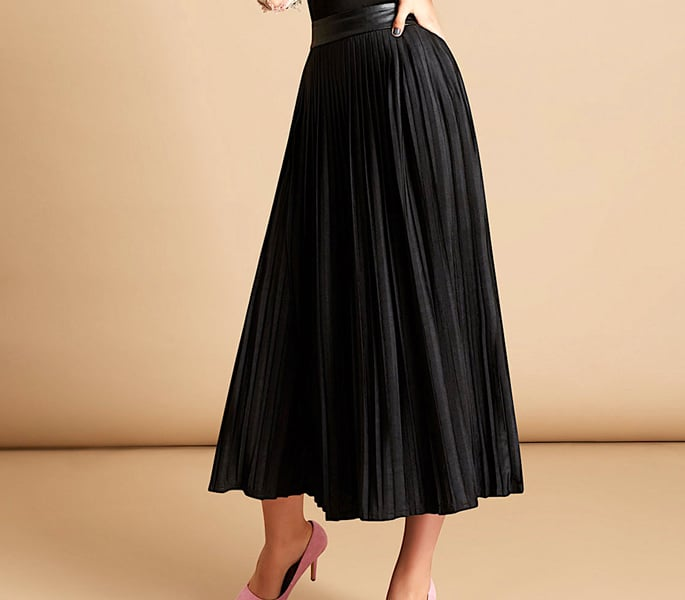 7 Modest Skirts for Modern Women - Black Skirt