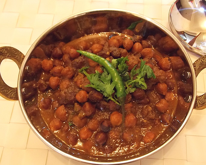 12 Popular Street Foods from Bihar in India - chana