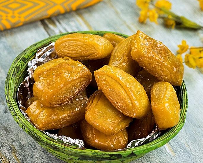 12 Popular Street Foods from Bihar in India - khaja
